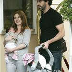 Sacha Baron Cohen Isla Fisher arrange photo op with baby Olive 14752