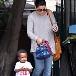 Sandra Bullock picks up Louis from school 111797