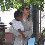 Sandra Bullock picks up Louis from school 111808