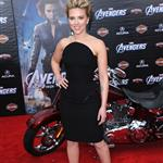 Scarlett Johansson at the LA premiere of The Avengers  111155