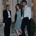 Scarlett Johansson and Sean Penn holding hands at White House Correspondents Dinner  99896