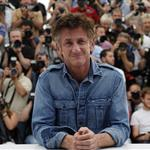 Sean Penn Canadian tuxedo at This Must Be The Place photocall in Cannes  85781