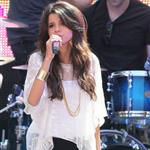 Selena Gomez performs at Santa Monica Mall June 2011 87503