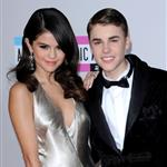 Selena Gomez and Justin Bieber at the 2011 American Music Awards 98906