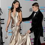 Selena Gomez and Justin Bieber at the 2011 American Music Awards 98910