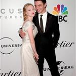 Amanda Seyfried and Dominic Cooper at the Globes 30792