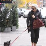 Sienna Miller cries at the paparazzi in New York while walking her dog 49645