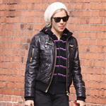 Sienna Miller cries at the paparazzi in New York while walking her dog 49649