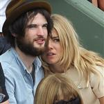 Sienna Miller and Tom Sturridge get close in Anna Wintour's box at French open 86808