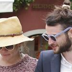 Sienna Miller with Tom Sturridge in Portofino  113508