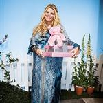 Jessica Simpson's baby shower photo in PEOPLE  109498