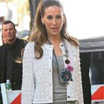Sarah Jessica Parker shoots commercial with questionable hairpiece 19478