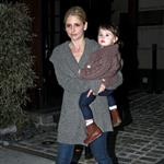 Sarah Michelle Gellar with daughter Charlotte in New York to shoot pilot for Ringer  81641