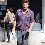 Scott Speedman out and about last fall with a bit of a gut 59098