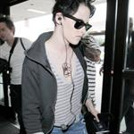 Kristen Stewart headed for Vancouver for the home stretch of Eclipse production 48901