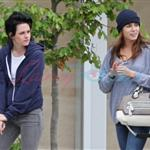 Kristen Stewart with Nikki Reed, Paris Latsis, and Elizabeth Reaser in Vancouver 46373