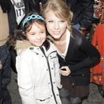 Taylor Swift with fans in London  52107