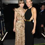 Taylor Swift and Gwyneth Paltrow pose together backstage at the 2012 Grammy Awards 106115