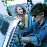 Shania Twain and Taylor Swift recreate Thelma & Louise for CMT Music Awards 86989