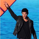 Taylor Lautner at the Teen Choice Awards 2011  91380