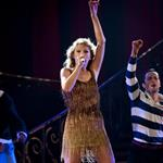 Taylor Swift performs in St Louis 92128