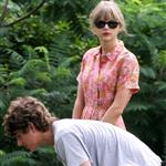 Taylor Swift and Conor Kennedy visit his mother's grave 124080