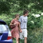 Taylor Swift and Conor Kennedy visit his mother's grave 124092