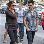 Nikki Reed and Taylor Lautner catch up in Vancouver before Eclipse  44219