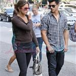Nikki Reed and Taylor Lautner catch up in Vancouver before Eclipse  44220