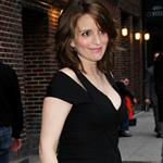 Pregnant Tina Fey leaves Letterman  83083