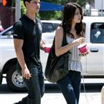 Selena Gomez and Taylor Lautner save face with paps after break up 40490