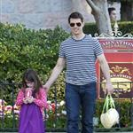 Tom Cruise takes Suri to Disneyland 103833