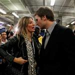 Tom Brady of the New England Patriots gets a hug from his wife Gisele Bundchen after losing to the New York Giants 104834