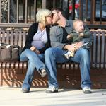 Tori Spelling mixes up gays and golddiggers 19488