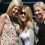 Tori Spelling no makeup with friends August 2010  66633