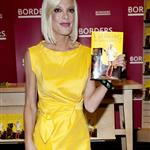 Tori Spelling at her book signing at Borders in NYC 63538