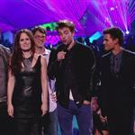 Peter Facinelli, Elizabeth Reaser, director Bill Condon and Robert Pattinson, Taylor Lautner and Jackson Rathbone onstage during the 2012 MTV Video Music Awards 125357