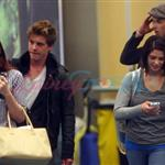 Twilight cast arrives in Vancouver to start prepping for Eclipse 43997