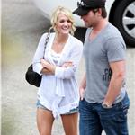 Carrie Underwood and Mike Fisher leave for honeymoon 64888