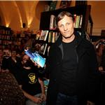 Viggo Mortensen promotes anthology of Argentinean poetry in Barcelona 71860