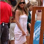 Jennifer Aniston looks great in Hawaii on the set of Just Go With It 60783