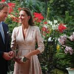 Catherine, Duchess of Cambridge and Prince William visit Singapore Botanical Gardens on day 1 of their Diamond Jubilee tour in Singapore 125700