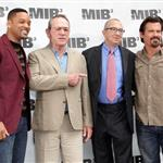 Will Smith, Tommy Lee Jones, Barry Sonnenfeld and Josh Brolin at the Men In Black 3 Photocall in Beverly Hills 113320