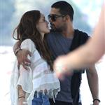 Wilmer Walderrama and Minka Kelly walk arm in arm along the foreshore at Balmoral, Sydney 110507