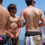 Zac Efron spends 4th of July on the beach in Malibu with friends 89219