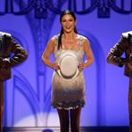 Catherine Zeta Jones performs at the AFI tribute to Michael Douglas 40997