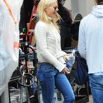 Gwyneth Paltrow walking to the set of Thanks For Sharingn in Manhattan 96696