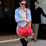 Katie Holmes leaves her Manhattan Hotel 96670