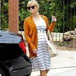 Reese Witherspoon checks out her new home in Bel Air 104004