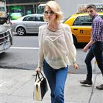 January Jones's short pants  102694